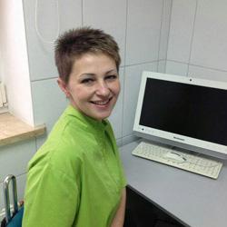 Вешкельская Юлия Эдуардовна стоматолог-имплантолог-ортопед. Опыт работы 16 лет