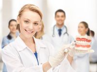 Стоматолог лечит зубы, а гнатолог — челюсти